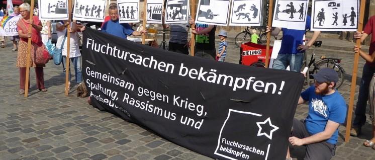 Nürnberg: Das Friedensforum lud in der Innenstadt zu einer Kundgebung ein. (Foto: Gustl Ballin)