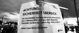 Nach den Anschlägen in der vergangenen Woche kam es zu  massiven Sicherheitsmaßnahmen der Polizei in der Dresdener Innernstadt. Nicht nur das Anschließen von Fahrrädern wurde untersagt. (Foto: Chrystalcolor/ wikimedia.org/ CC0 1.0 - public domain)