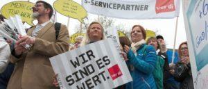 Kolleginnen und Kollegen von Banken am 31.März in Berlin (Foto: Renate Kossmann/ver.di)