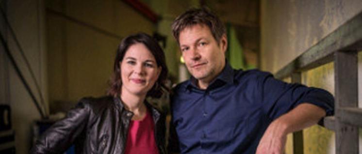 """Die neuen """"Hoffnungsträger"""" Annalena Baerbock und Robert Habeck (Foto: Dominik Butzmann / Die Grünen)"""