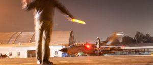 Einweisung des Kampfjets Tornado nach dem Einsatzaufklärungsflug auf die Parkposition im Rahmen der Mission Counter Daesh auf der Air Base Incirlik, am 24.02.2016. (Foto: Bundeswehr/Falk Bärwald)