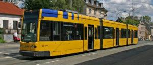 Straßenbahn in Essen (Foto: [url=https://de.m.wikipedia.org/wiki/Datei:Stra%C3%9Fenbahn_Essen_01_Flexity_Classic_1505.jpg]Christian Liebscher[/url])
