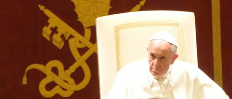 Franziskus kommt aus barocken Vatikan nicht heraus (Foto: [url=https://commons.wikimedia.org/wiki/File:Papst_Franziskus.JPG]Christoph Wagener{/url])