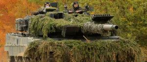 Auch bei PESCO dabei: Der Leopard 2 vom Münchner Rüstungskonzern Krauss-Maffei-Wegmann ist der meist verkaufte Kampfpanzer in der EU