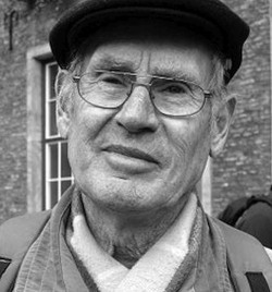 Willi Hoffmeister ist Gewerkschafter und Kommunist. Er engagiert sich seit Beginn des Ostermarsches 1961 für die in diesem Rahmen stattfindenden Friedensproteste.