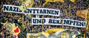 Dortmunder Südkurve: Protest gegen Neonazis (Foto: http://ultraschoen.tumblr.com/post/111992573972/nazis-enttarnen-und-bekämpfen-auf-der-südtribüne)