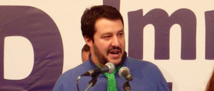 Will den Auftrag zur Regierungsbildung – Rassist Matteo Salvini. (Foto: [url=https://en.wikipedia.org/wiki/Matteo_Salvini#/media/File:Manifestazione_Lega_Nord,_Torino_2013_51.JPG]Fabio Visconti/Wikimedia Commons[/url])