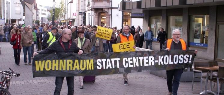 Protest gegen das Einkaufszentrum in Singen (Foto: V. Hartmann)