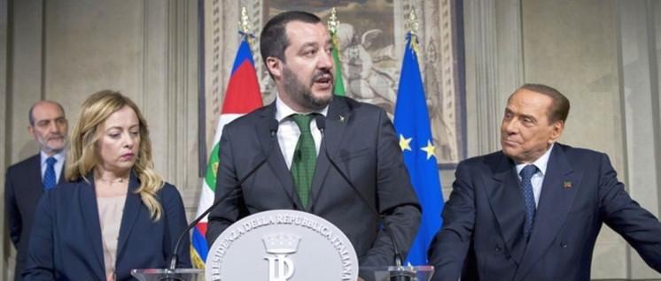 Rassistisch-faschistische Allianz: Matteo Salvini mit Berlusconi und Giorgia Meloni (Foto: Presidenza della Repubblica)