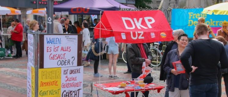 Die DKP brachte soziale Fragen in den Wahlkampf ein. Infostand der DKP am 13.Mai in Essen-Steele. (Foto: Peter Köster)