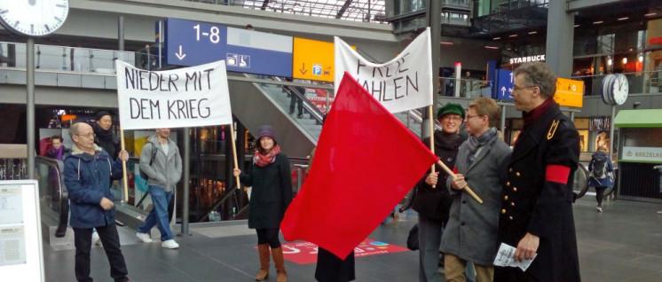 Erinnerung an die Novemberrevolution im Berliner Hauptbahnhof (Foto: Willi Hendricks)