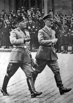 Mussolini und Hitler in Berlin im September 1937