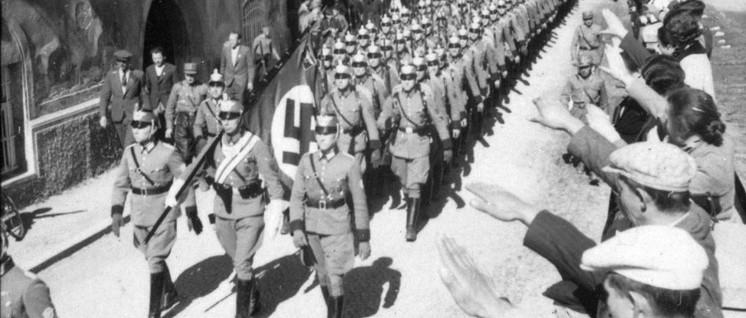 Einmarsch der deutschen Polizei in Imst (Tirol) (Foto: Gemeinfrei)