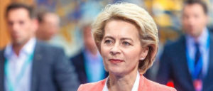 """70 Millionen Euro für """"externe Berater"""", Von der Leyen sieht keinen Aufklärungsbedarf. (Foto: Arno Mikkor (EU2017EE))"""