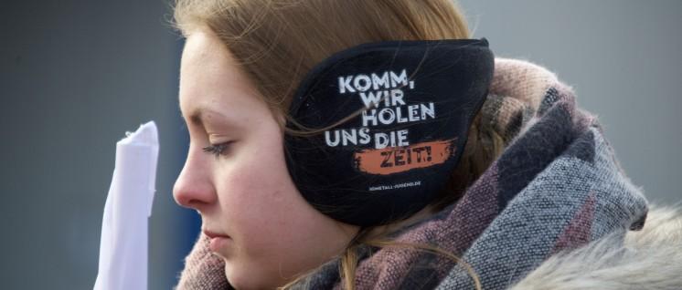 Warnstreik der IG Metall am 9.Januar in Ludwigsfelde: Es geht auch um mehr Zeit (Foto: Gabriele Senft)