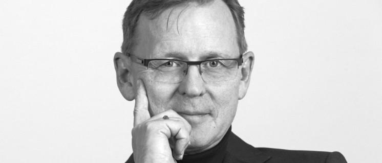 Bodo Ramelow, Ministerpräsident des Freistaates Thüringen (2013): Unter ihm wurde die Geschichtspolitik der Thüringer Linkskoalition zur Fortsetzung und Eskalation des Vorherigen mit anderem Personal. (Foto: [url=https://commons.wikimedia.org/wiki/File:Bodo_Ramelow_(DIE_LINKE).jpg]DiG / TRIALON[/url])