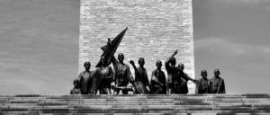 Gedenkstätte Buchenwald:  Dieses Symbol für den Widerstand gegen den faschistischen Verbrecherstaat ist der bürgerlichen Geschichtsschreibung unerträglich. Deshalb wurde ab 1990 auch hier die Geschichte umgeschrieben. (Foto: Gerrit Schirmer / flickr.com)
