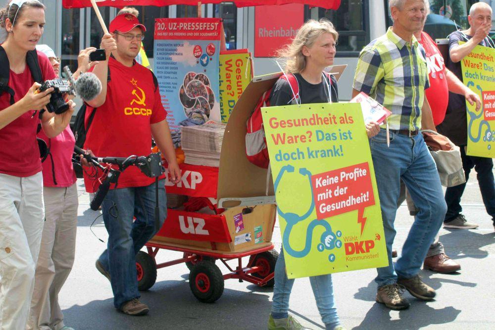 DKP-Mitglieder bei einer Demo von Klinikbeschäftigten