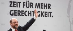 """Der letzte Wahlsieg der Sozialdemokratischen Partei in Deutschland bescherte den Menschen des Landes die Agenda 2010. Droht nach einem erneuten Wahlsieg der SPD noch mehr """"Gerechtigkeit"""" dieser Güte? (Foto: [url=https://www.flickr.com/photos/sozialdemokratie/33047130602/]SPÖ Presse und Kommunikation[/url])"""