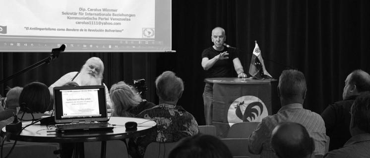 Veranstaltung zur Situation in Venezuela mit Carolus Wimmer (stehend) in Köln Mülheim (Foto: r-mediabase.eu)