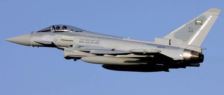 Eurofighter von EADS u.a. für Saudiarabien (Foto: [url=https://de.wikipedia.org/wiki/Eurofighter_Typhoon#/media/File:RSAF_Typhoon_at_Malta_-_Gordon_Zammit.jpg]Gordon Zammit[/url])