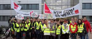 Die Kolleginnen vom CTK lassen sich nicht mit einer 30-Euro-Streikbrecherprämie vom Arbeitskampf abhalten. (Foto: privat)