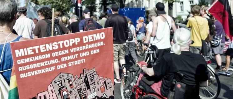 Rückhalt für Holm: Berliner Mieteraktivisten – hier bei einer Demonstration im September 2016 – unterstützen Holms wohnungspolitische Forderungen. (Foto: [url=https://www.flickr.com/photos/majkaczapski/29481510312/]Majka Czapski[/url])