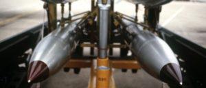 Mehr davon: USA rüsten auf für die atomare Erstschlagfähigkeit (Bild: Vier Nuklearbomben vom Typ B-61).