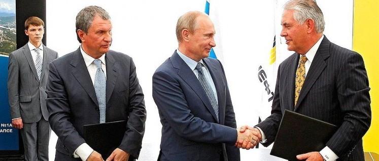 Der zukünftige US-Außenminister Rex Tillerson (rechts) kennt Russlands Präsident Putin aus dem Ölgeschäft. (Foto: kremlin.ru)