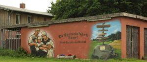 """""""Dorfgemeinschaft Jamel– frei, sozial, national"""": Die NPD ist nicht so unbedeutend, wie das Bundesverfassungsgericht behauptet. Gerade auf dem Land ist sie eine Stütze der Nazistrukturen. (Foto: [url=https://www.flickr.com/photos/133073376@N08/20079606153]Oliver Weber[/url])"""