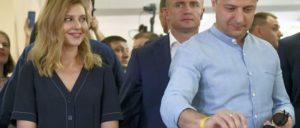 Absolute Mehrheit für Präsident Selenskij – fast die Hälfte der Wahlberechtigten waren zu Hause geblieben. (Foto: MYKOLA LAZARENKO)