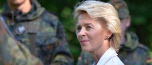 Von der Leyen soll für ihre Verdienste um die Militarisierung der EU befördert werden. (Foto: [url=https://www.flickr.com/photos/dirkvorderstrasse/14673713451/]Dirk Vorderstraße[/url])