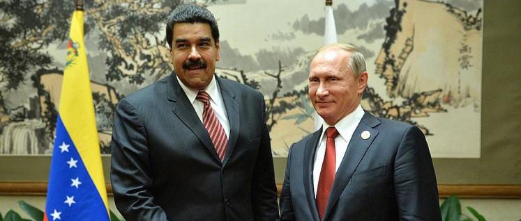 Albtraum der US-Imperialisten: Maduro und Putin bei einem Treffen in Peking (Foto: kremlin.ru)