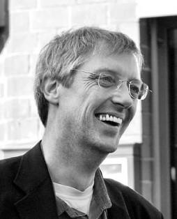 Olaf Harms, Leiter der Kommission Betrieb und Gewerkschft der DKP