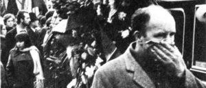 Der Trauerzug zur Beisetzung Giuseppe Pinellis wurde zur Demonstration. (Foto: it.wiki)