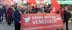 Vergangenen Samstag in Hamburg: Protestdemo gegen den Putschversuch in Venezuela (Foto: Arbeiterfotografie.com)