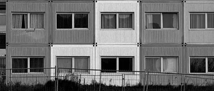 Flüchtlingsunterkunft oder Wohnung für Leiharbeiter? (Foto: Joel Kernasenko/flickr/CC BY 2.0)