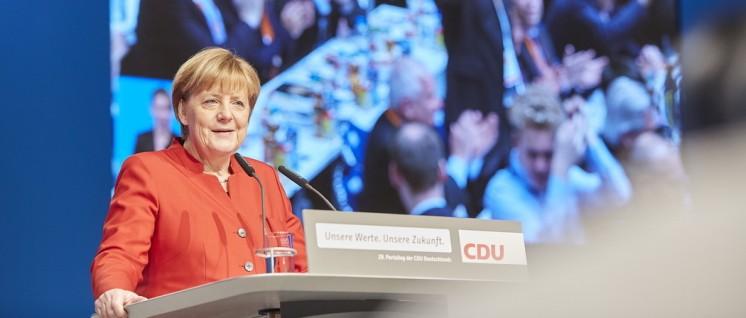 Passt diese Frau noch zur CDU? Kanzlerin Merkel verleiht der rechten Regierungspolitik ein weltoffenes Antlitz. (Foto: CDU/Laurence Chaperon)