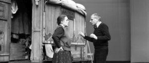 Proben zu Mutter Courage mit Gisela May und Manfred Wekwerth im Berliner Ensemble, 1978 (Foto: Bundesarchiv, Bild 183-T0927-019 / Katja Rehfeld)