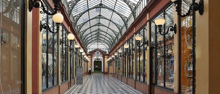 Eine der unzähligen Passagen in Paris (Foto: [url=https://commons.wikimedia.org/wiki/File:Passage_des_Princes,_Paris_2e.jpg]Moonik[/url])
