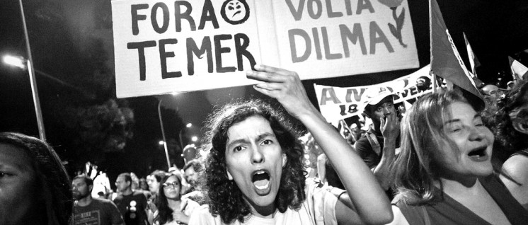 """Weg mit Temer – zurück mit Dilma!"" Demonstration in Brasilia am 10. Juni.  (Foto: Mídia Ninja / flickr.com)"