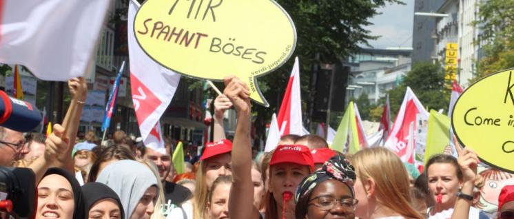 Bereits 2018 demonstrierten die Beschäftigten im Gesundheitswesen anlässlich der Konferenz der Gesundheitsminister. (Foto: Werner Sarbok)