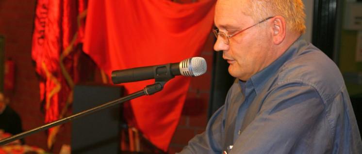 Detlev Beyer-Peters ist Vorsitzender des Betriebsrates im AWO-Seniorenzentrum Recklinghausen, Stellvertretender Vorsitzender des Gesamtbetriebsrates und Stellvertretender Vorsitzender der DKP im Kreis Recklinghausen (Foto: Werner Sarbok)