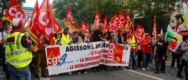 """""""Gemeinsam handeln"""": Die Gewerkschaft CGT, die der PCF nahesteht, ist die treibende Kraft in den laufenden Protesten (Foto: Max Matthes)"""