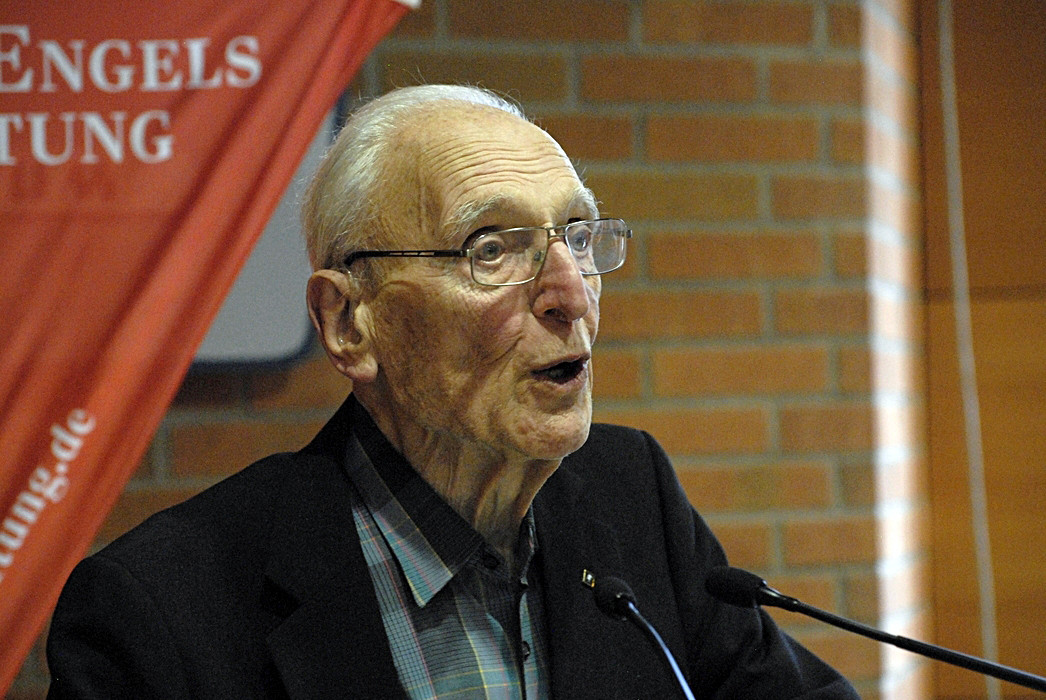 Robert Steigerwald bedankt sich für die Glückwünsche zu seinem 90. Geburtstag