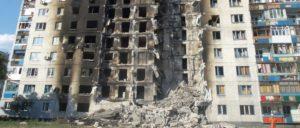 Zerstörtes Wohngebäude in der Lugansker Volksrepublik (Foto: Wikimedia/Lionkinh/CC BY-SA 4.0)