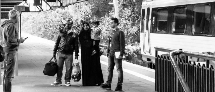 Flüchtlinge auf dem Bahnhof Flensburg (Foto: pewe/r-mediabase.eu)