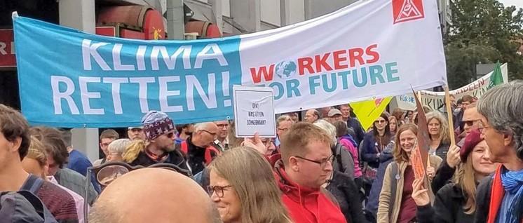 Umweltschutz ist auch ein Anliegen der Beschäftigten: Gewerkschafter am 20.September in Braunschweig. (Foto: Ulli Schmitz)