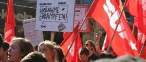 Die Sozialistische Deutsche Arbeiterjugend (SDAJ) forderte beim Aktionstag der IG-Metall-Jugend am 29.September 2014 die Übernahme aller Auszubildenden. (Foto: Andrea Hornung)