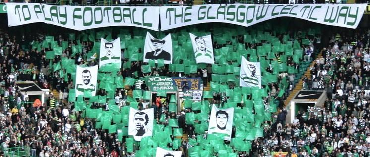 Die Celtic-Fans feiern ihre Helden. (Foto: [url=https://www.flickr.com/photos/celticphotos/6064463687]Brian Hargadon[/url])
